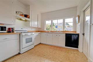 Photo 13: 235 Howe St in : Vi Fairfield West House for sale (Victoria)  : MLS®# 796825