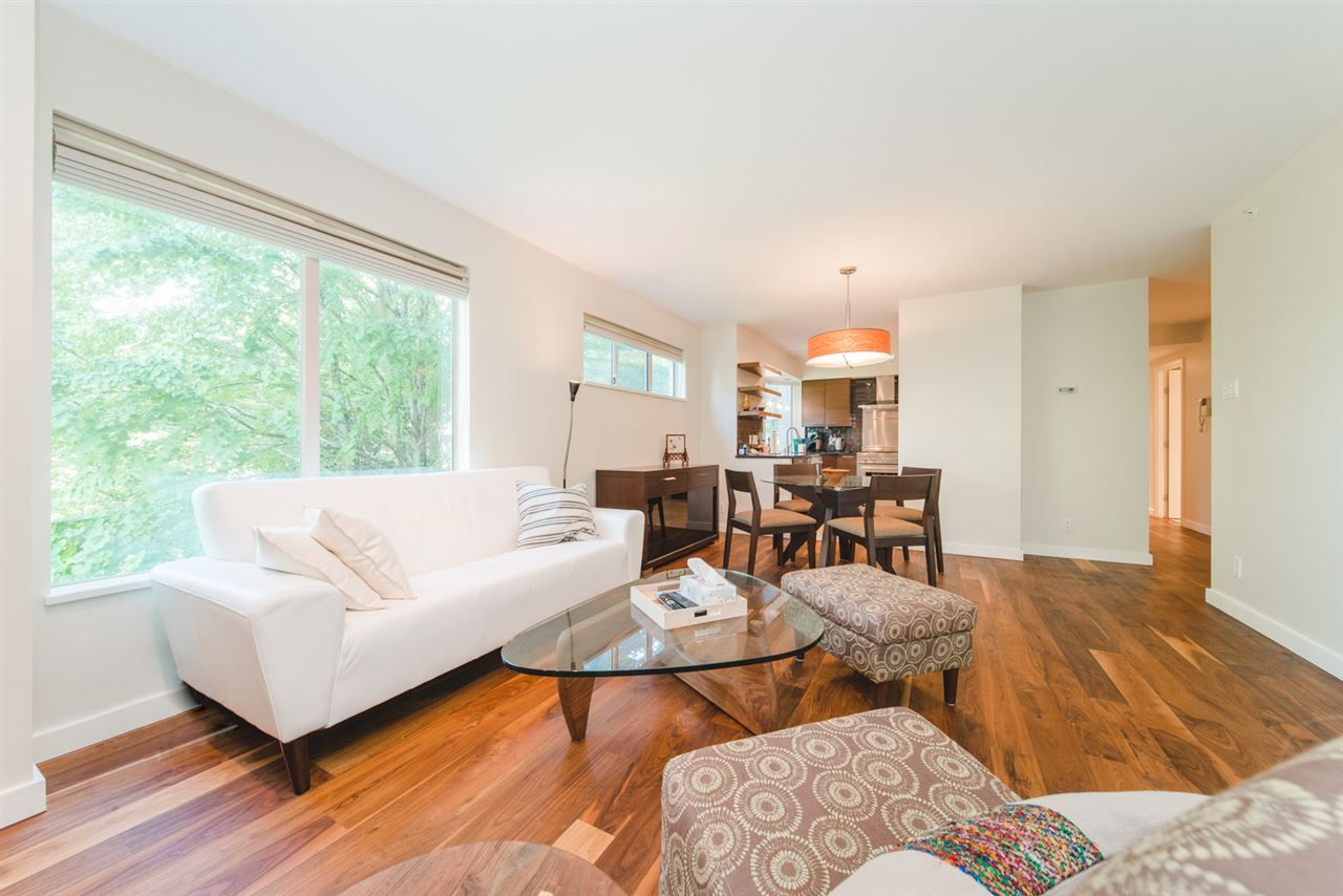 """Main Photo: 303 2288 W 40TH Avenue in Vancouver: Kerrisdale Condo for sale in """"Kerrisdale Park"""" (Vancouver West)  : MLS®# R2398261"""