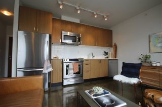 """Photo 2: 408 221 UNION Street in Vancouver: Mount Pleasant VE Condo for sale in """"V6A"""" (Vancouver East)  : MLS®# R2284454"""