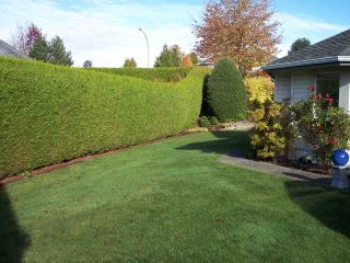"""Photo 2: 109 31406 UPPER MACLURE Road in Abbotsford: Abbotsford West Townhouse for sale in """"ESTATE OF ELLWOOD"""" : MLS®# R2118540"""