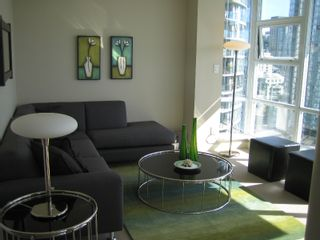 """Photo 3: 638 BEACH Crescent in Vancouver: False Creek North Condo for sale in """"ICON"""" (Vancouver West)  : MLS®# V618693"""