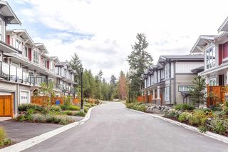 """Photo 2: 5918 OLDMILL Lane in Sechelt: Sechelt District Townhouse for sale in """"EDGEWATER AT PORPOISE BAY"""" (Sunshine Coast)  : MLS®# R2397082"""