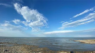 Photo 2: 71 Beckville Beach Drive in Amaranth: Beckville Beach Residential for sale (R40 - R40)  : MLS®# 202107985