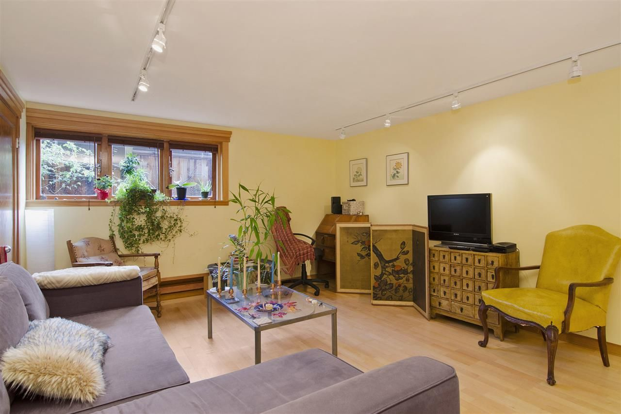 Photo 14: Photos: 1190 SINCLAIR Street in West Vancouver: Ambleside House for sale : MLS®# R2027738