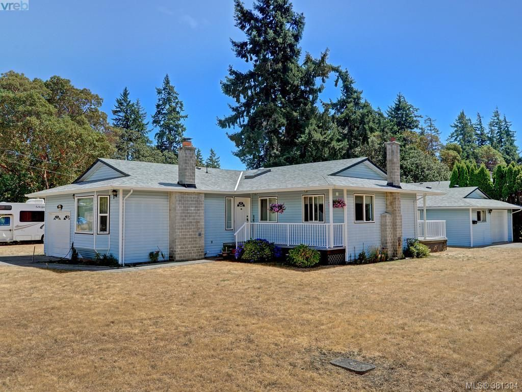 Main Photo: 3053 Chantel Pl in VICTORIA: Co Hatley Park House for sale (Colwood)  : MLS®# 766180