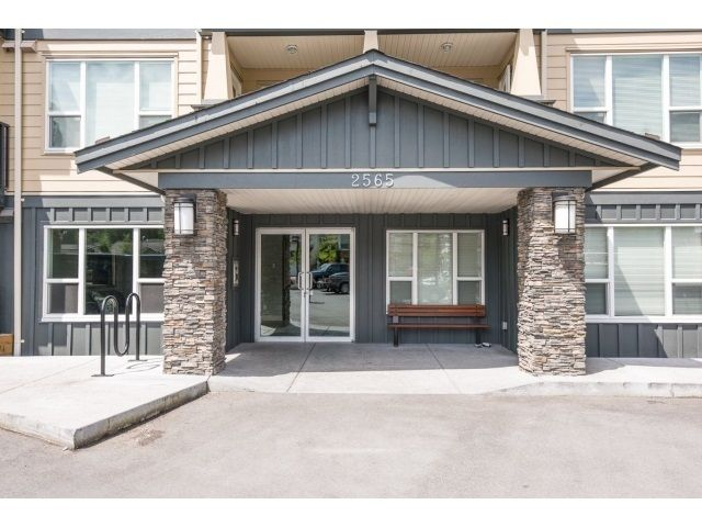 Main Photo: 417 2565 Campbell Avenue in Abbotsford: Central Abbotsford Condo for sale : MLS®# R2122035