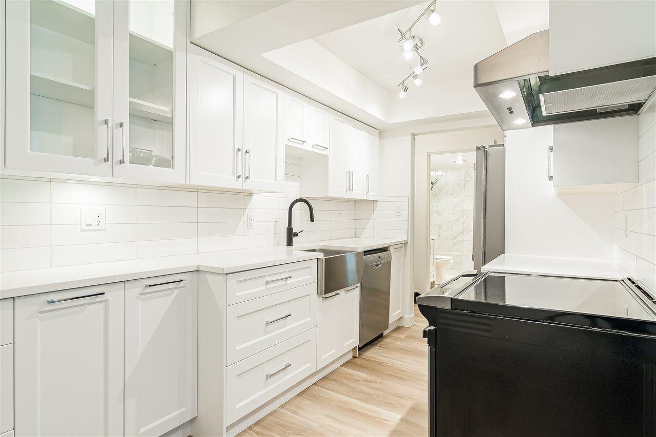 Main Photo: 204 1360 MARTIN Street: White Rock Condo for sale (South Surrey White Rock)  : MLS®# R2469320