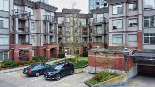 """Photo 18: 213 10455 UNIVERSITY Drive in Surrey: Whalley Condo for sale in """"D'Cor"""" (North Surrey)  : MLS®# R2443325"""