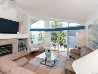 Photo 3: 209 Marine Dr in COBBLE HILL: ML Cobble Hill House for sale (Malahat & Area)  : MLS®# 792406