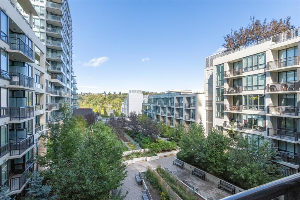 Main Photo: 432 222 Riverfront Avenue SW in Calgary: Chinatown Apartment for sale : MLS®# A1147218