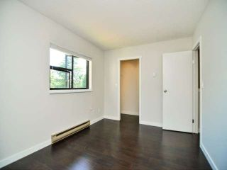 "Photo 9: 887 CUNNINGHAM Lane in Port Moody: North Shore Pt Moody Townhouse for sale in ""WOODSIDE VILLAGE"" : MLS®# V1021537"