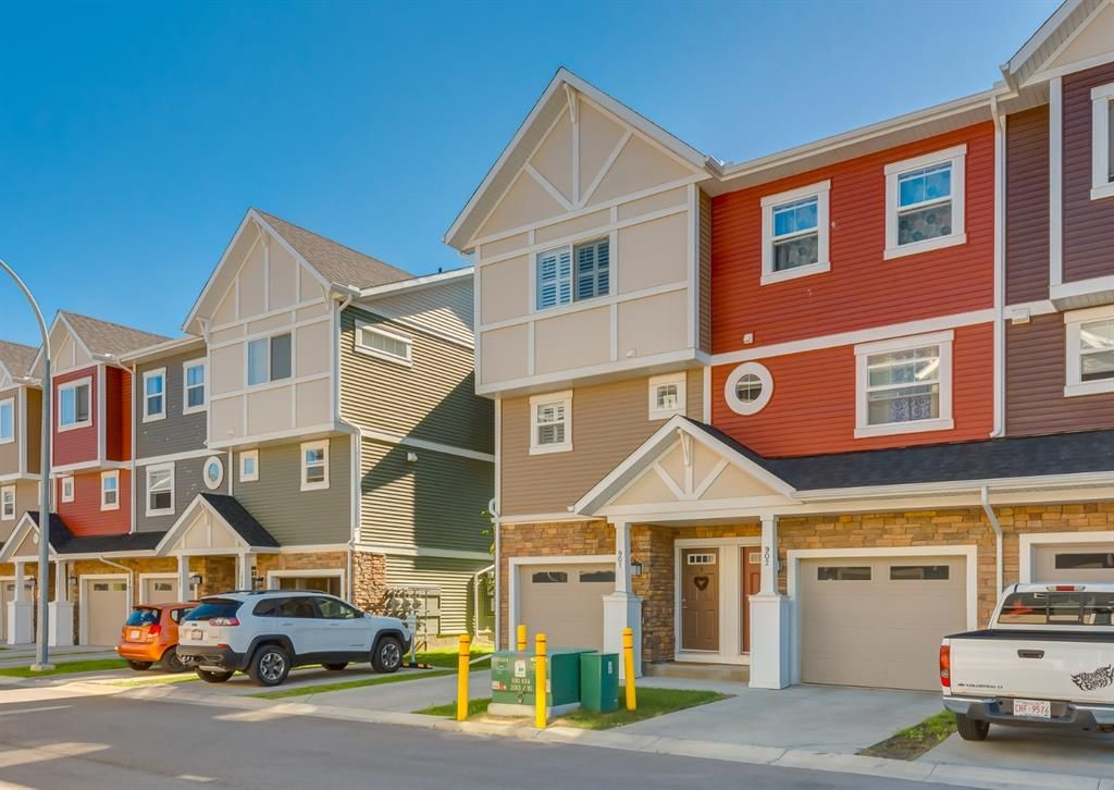 Main Photo: 901 1225 Kings Heights Way SE: Airdrie Row/Townhouse for sale : MLS®# A1125258