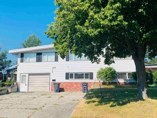Photo 2: 569 GILLETT Street in Prince George: Central House for sale (PG City Central (Zone 72))  : MLS®# R2564556