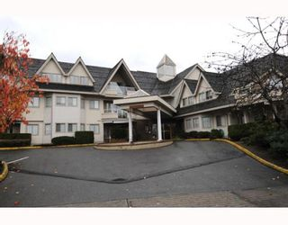 """Main Photo: 205 19241 FORD Road in Pitt Meadows: Central Meadows Condo for sale in """"VILLAGE GREEN"""" : MLS®# V796799"""