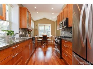 Photo 3: 24 10520 McDonald Park Rd in NORTH SAANICH: NS Sandown Row/Townhouse for sale (North Saanich)  : MLS®# 669691