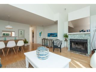 """Photo 5: 1137 ELM Street: White Rock Townhouse for sale in """"Marine Court"""" (South Surrey White Rock)  : MLS®# R2401346"""