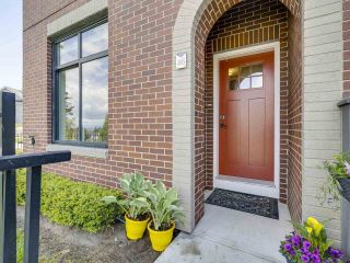"""Photo 3: 46 2888 156 Street in Surrey: Grandview Surrey Townhouse for sale in """"HYDE PARK"""" (South Surrey White Rock)  : MLS®# R2575934"""