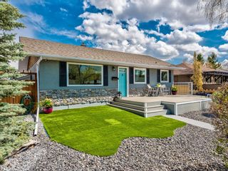 Photo 2: 104 Westwood Drive SW in Calgary: Westgate Detached for sale : MLS®# A1127082