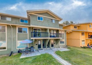 Main Photo: 406 2200 Woodview Drive SW in Calgary: Woodlands Row/Townhouse for sale : MLS®# A1129092