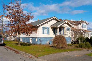 Photo 1: 3003 GRAVELEY STREET in Vancouver: Renfrew VE House for sale (Vancouver East)  : MLS®# R2446907
