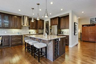 Photo 5: 291 TREMBLANT Way SW in Calgary: Springbank Hill Detached for sale : MLS®# C4199426