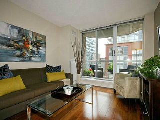 Photo 2: 7 330 E Adelaide Street in Toronto: Moss Park Condo for sale (Toronto C08)  : MLS®# C2682903