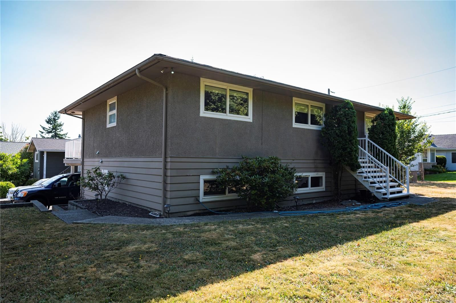 Main Photo: 87 Ocean View Rd in Campbell River: CR Campbell River Central House for sale : MLS®# 883055
