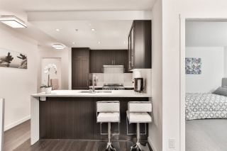 """Photo 4: 1904 5665 BOUNDARY Road in Vancouver: Collingwood VE Condo for sale in """"Wall Centre Central Park"""" (Vancouver East)  : MLS®# R2522154"""