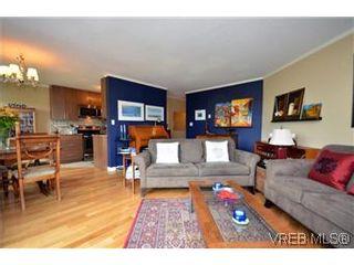 Photo 2: 309 3800 Quadra St in VICTORIA: SE Quadra Condo for sale (Saanich East)  : MLS®# 578178