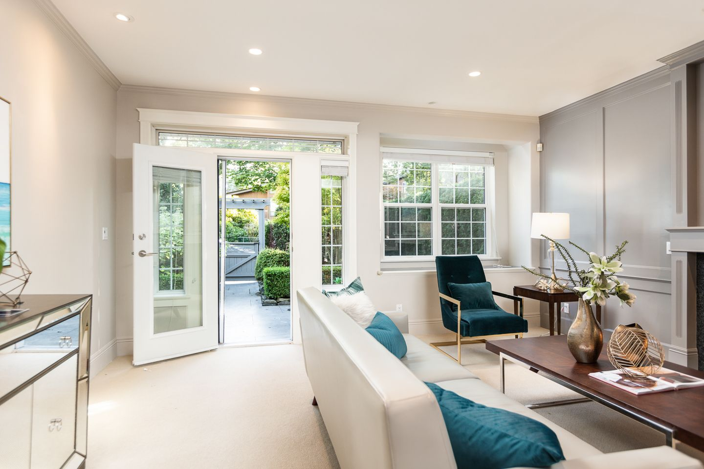 Photo 3: Photos: 2267 WEST 13TH AV in VANCOUVER: Kitsilano 1/2 Duplex for sale (Vancouver West)  : MLS®# R2407976