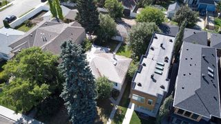 Photo 3: 909 22 Avenue NW in Calgary: Mount Pleasant Detached for sale : MLS®# A1141521