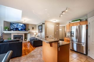 Photo 11: 124 CASTLE Drive in Edmonton: Zone 27 House Half Duplex for sale : MLS®# E4260271