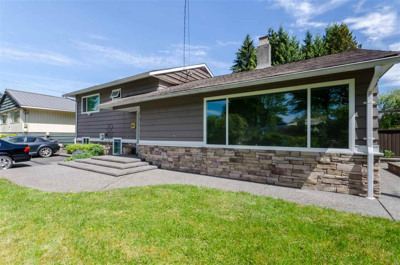 Photo 2: Photos: 1939 EASTERN Drive in Port Coquitlam: Mary Hill House for sale : MLS®# R2516960