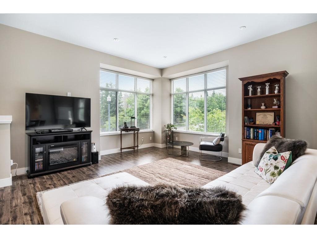 """Main Photo: 66 2687 158 Street in Surrey: Grandview Surrey Townhouse for sale in """"Jacobsen"""" (South Surrey White Rock)  : MLS®# R2594391"""