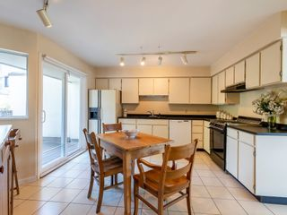 """Photo 18: 1128 IRONWORK PASSAGE in Vancouver: False Creek Townhouse for sale in """"SPRUCE VILLAGE"""" (Vancouver West)  : MLS®# R2382408"""