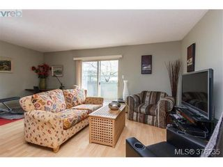 Photo 4: 55 4061 Larchwood Dr in VICTORIA: SE Lambrick Park Row/Townhouse for sale (Saanich East)  : MLS®# 759475