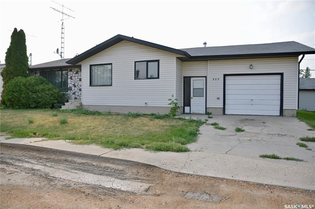 Main Photo: 305 1st Avenue East in Blaine Lake: Residential for sale : MLS®# SK864637