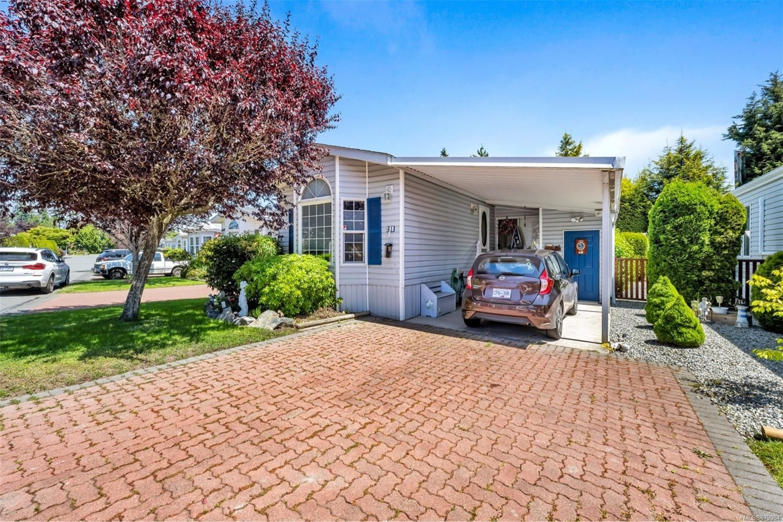 Main Photo: 61 7583 Central Saanich Rd in : CS Hawthorne Manufactured Home for sale (Central Saanich)  : MLS®# 879084
