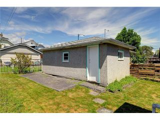 """Photo 17: 2381 E GEORGIA Street in Vancouver: Hastings House for sale in """"GRANDVIEW"""" (Vancouver East)  : MLS®# V1017795"""