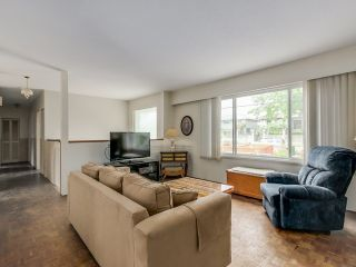 Photo 4: 5190 PARKER Street in Burnaby: Brentwood Park House for sale (Burnaby North)  : MLS®# V1123430