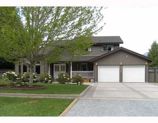 """Photo 3: 2055 MAMQUAM Road in Squamish: Garibaldi Estates House for sale in """"GARIBALDI ESTATES"""" : MLS®# V766913"""