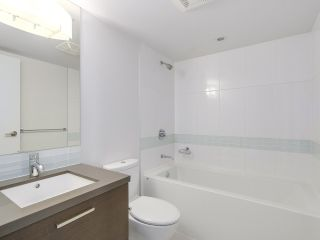 "Photo 7: 808 10777 UNIVERSITY Drive in Surrey: Whalley Condo for sale in ""CITYPOINT"" (North Surrey)  : MLS®# R2184234"