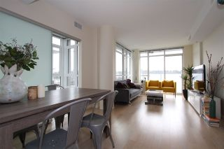 Photo 2: 701 89 W 2ND Avenue in Vancouver: False Creek Condo for sale (Vancouver West)  : MLS®# R2056301