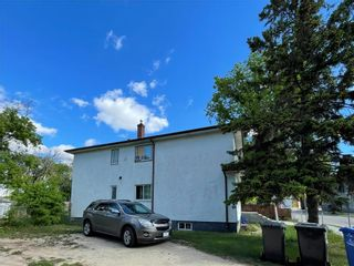 Photo 2: 130 Aikins Street in Winnipeg: North End Residential for sale (4A)  : MLS®# 202112931