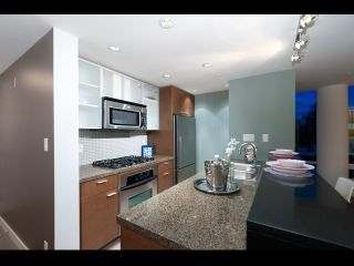 Photo 9: TH108 980 Cooperage Way in Vancouver: Yaletown Townhouse for sale (Vancouver West)  : MLS®# V1089222