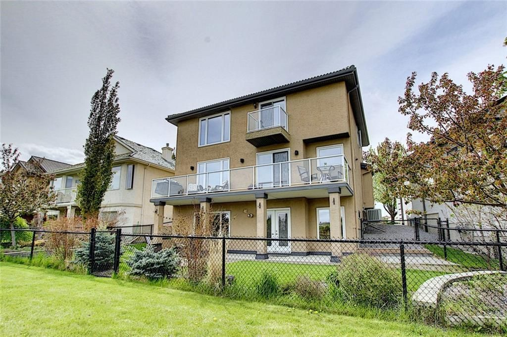 Welcome to 155 Citadel Grove NW, with stunning ravine views from your back deck!