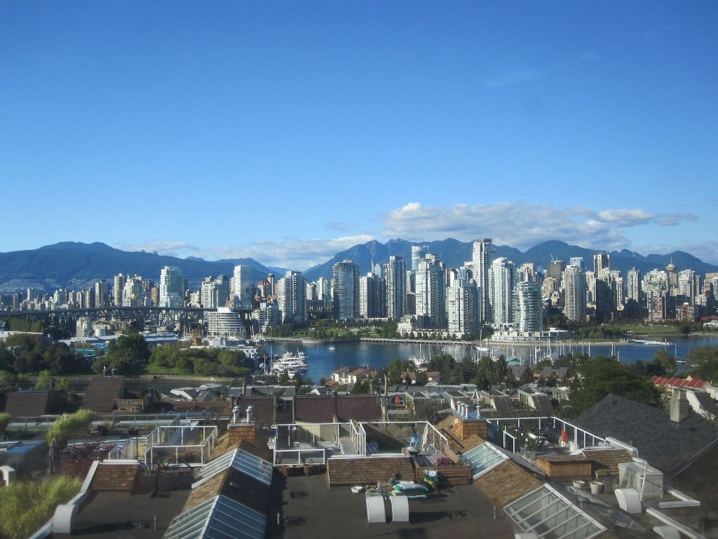 """Main Photo: 1167 W 8TH Avenue in Vancouver: Fairview VW Townhouse for sale in """"FAIRVIEW 2"""" (Vancouver West)  : MLS®# V849137"""
