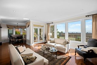 """Photo 13: 14342 SUNSET Drive: White Rock House for sale in """"White Rock Beach"""" (South Surrey White Rock)  : MLS®# R2590689"""