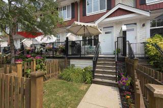 """Photo 4: 4 6956 193 Street in Surrey: Clayton Townhouse for sale in """"The Edge"""" (Cloverdale)  : MLS®# R2194953"""