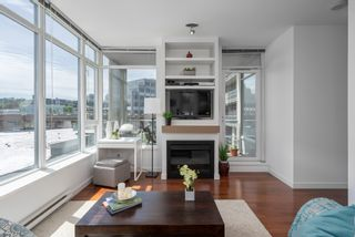 """Photo 3: 413 2055 YUKON Street in Vancouver: False Creek Condo for sale in """"THE MONTREUX"""" (Vancouver West)  : MLS®# R2371441"""